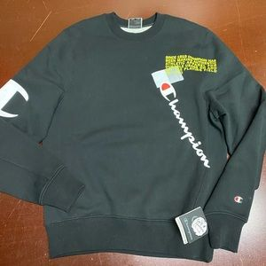 Champion Search The Web Crewneck Sweatshirt. Black